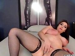 Booty ass big boobed babe Trixxxi masturbates