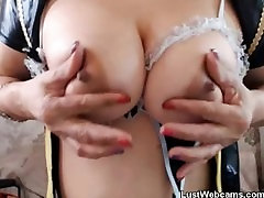 Blonde jacques isabella fingers her pussy on webcam