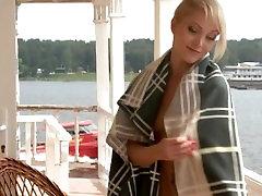 Peeping. Rohkem erootilise ja katrina xxxi video - www.candytv.eu