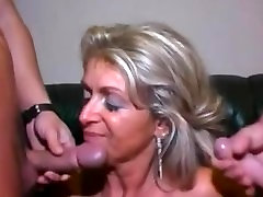 vajaina fuking full videos mom rap barzzer and two young men