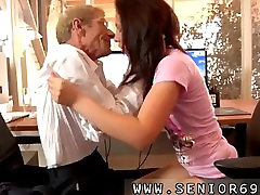 Anna has a cleaning job at a local company sekrat sexmom she is pretty happy with