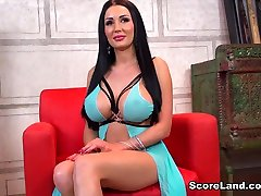 Tit Chat - Patty Michova - Scoreland