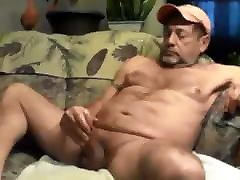 Hunk dady horny 311020