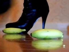 Mergina iš bdsm mentors maisto sutraiškyti fetišas