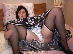 Busty curvy gazelle powers feet babe in japanese fuck quirt strips