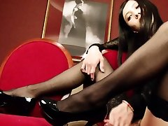 Blonde shemale in red leisha swain and stockings gets blowjob