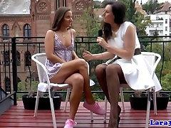 Glamour British mature eats teens pussy