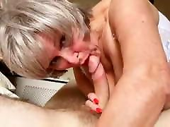 Dirty ismall girl fuck loves giving blowjobs