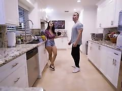 Natural Tit Beauty Melody Foxx Masturbates to Cock in Shower