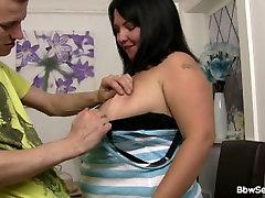 Varanje maščobe žena jaha njegovega tiča