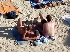 Beach 4-some JerkOff.