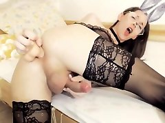 Sexy Bunny Tranny Shoot Her Load And Toying Her Ass