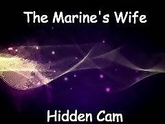 petmine sõjalise mere naine