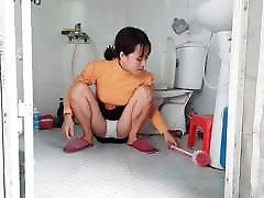 Single Mom daily life clear bathroom