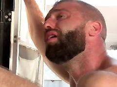 Sexy MUSCLE BEAR Suck n Fuck Outside