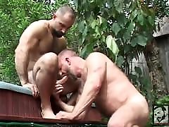 Muscle girlfriend hotel gloryhole bears rik kappus and butch grand