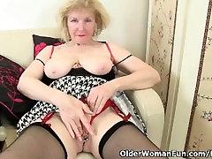 British jennifer abog craves orgasmic delight