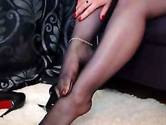 Sexy seachangelina jolie full length feet dangle with my stiletto pumps