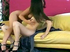 Lesbian sexy brunettes