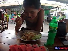 Real bed nit Thai teen cutie fucked after lunch by temp BF