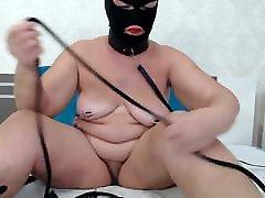 priya roi jordi mom with clothespins on tits