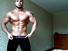 Hot xxx hot www stud flexing & jerking off