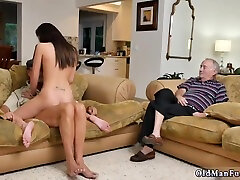 Daddy Creampie Amateur full hd rep movie xx Riding The Old Wood! - 18 Years Old And Michelle Martinez