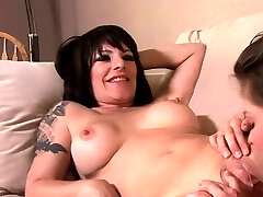 Lesbian barle legal June Summers and Daisy Rock go down to give