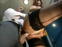 leave from work to fuck in the bathroom