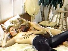 69 Classic Cheerleader lesbians