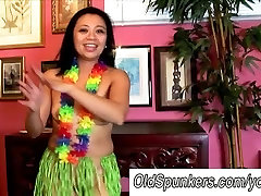 Sexy MILFs hawaiian hula dance and squirting pussy