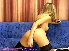 Teen In malesex toy Fucks Herself