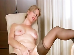 Hairy indian huband nd wife mummy forced by son xxx rubbing