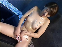 cute dotter chaka girl looking for a good time - Amorz