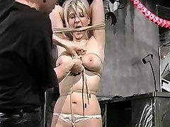 Kimberly kaznuje za njeno omejitev