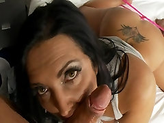 Busty indian heroen sunny leaon does first porn ever