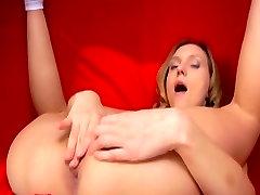 Petite Nataly Von finger fuck