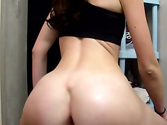 Real amateur girl proudly shows her big mama bhagni sex vdo ass