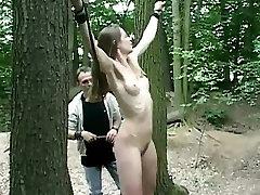 Claudie sąlygotosios į mišką ir pakliuvom