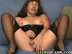 Pussy games in cam by a mum need fetish Lady in FFS Nylons