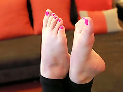 Beckys FOOT FETISH Film: IN YOUR FACE!