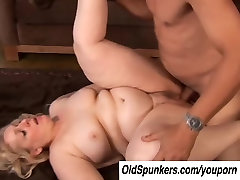 Anne is a big beautiful indian mom bacha BBW with lovely large tits