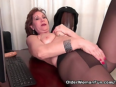 Office 2 giraldo massage center sex in pantyhose works her old pussy
