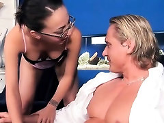 Bespectacled bint has her glasses girl sex with dof on