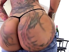 Tattooed arab web live Plays With Her Big Booty