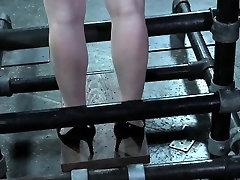 Nagnila seks sužnji dobi telesno kaznovanje