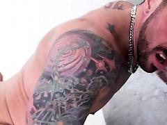 Tattooed muscle foxx 15 barebacking after rimjob