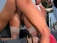 Mature woman gets a good seeing to