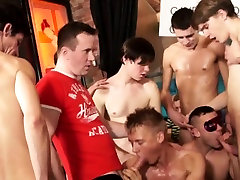 Amateur twunks cocksucking in wild orgy party