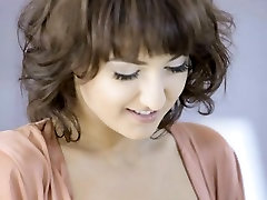 Glamour woman Suzy Rainbow gets banged by her husband
